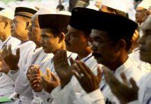Tradisi Minta Do'a Pada Orang Baru Datang Haji