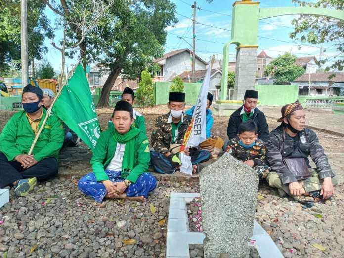 Ansor Candiroto Ziarahi Makam Pahlawan Di Hari Kemerdekaan
