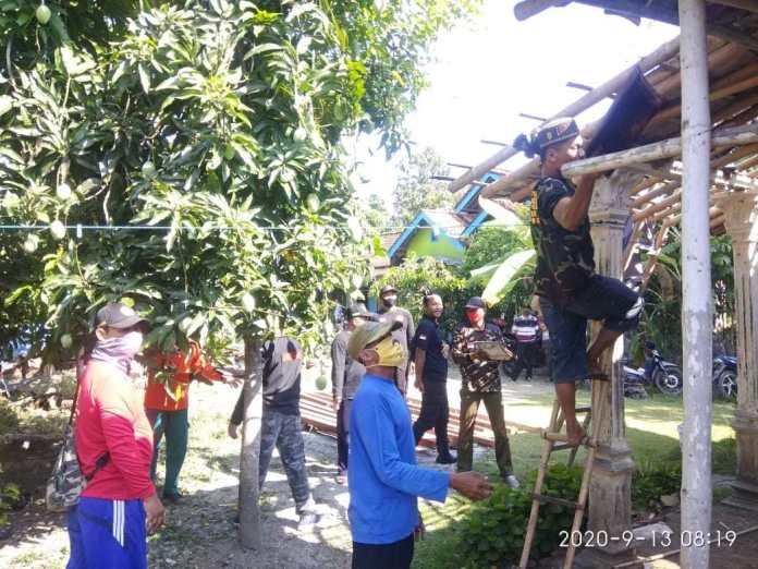 Lazisnu bersama Banser Kabupaten Kendal Perbaiki Rumah Roboh